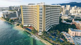 waikiki-beach-hotels-exterior-day